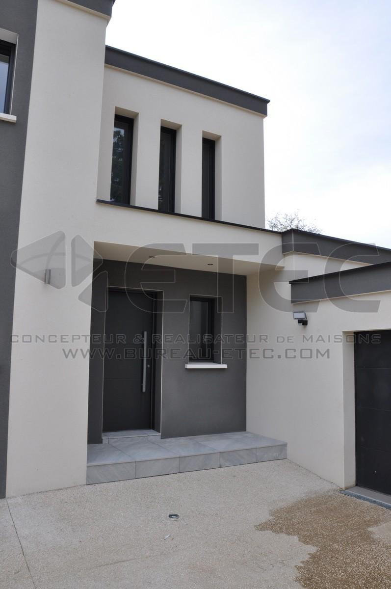 Maison toit terrasse fauverney etec for Concepteur de plan de maison